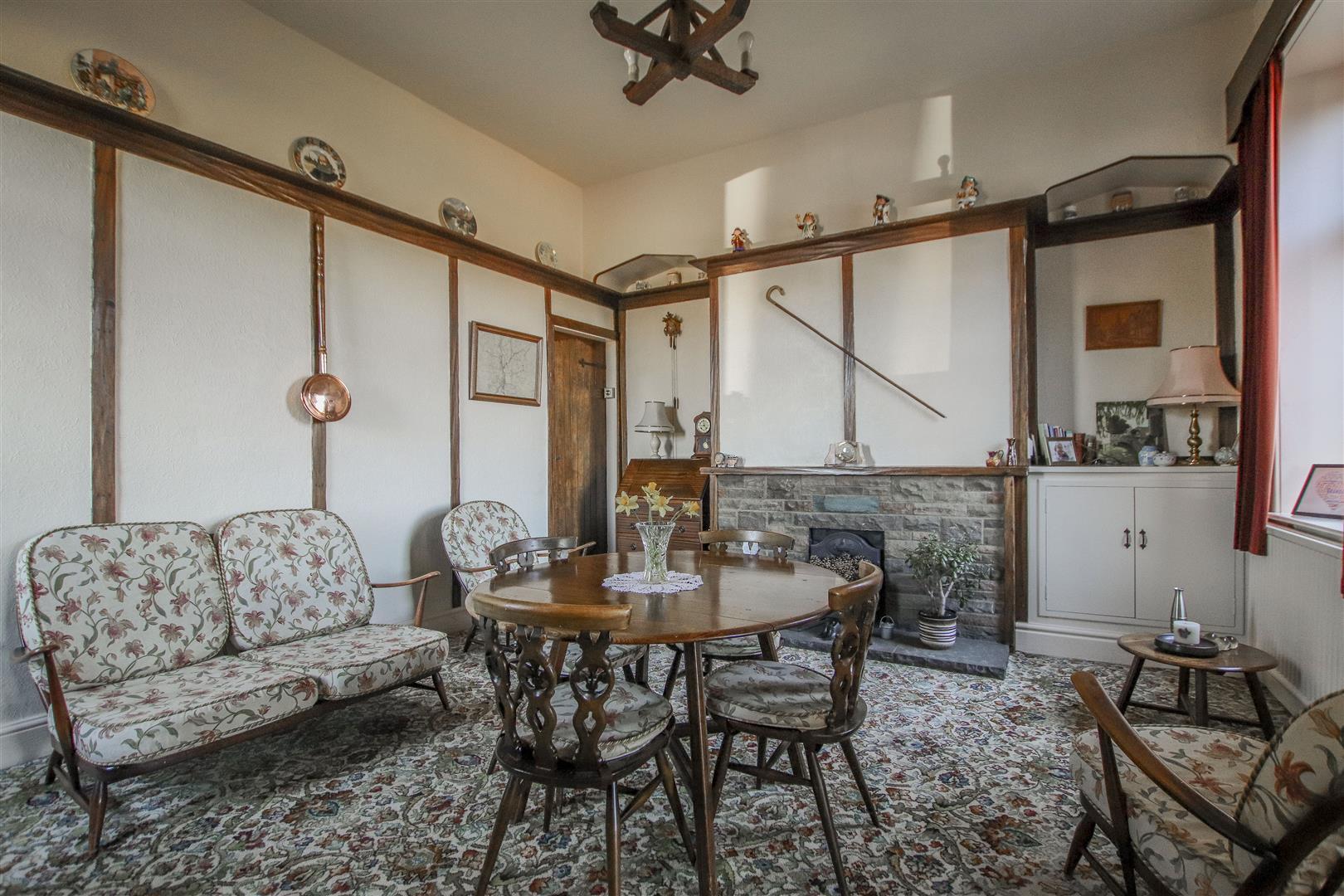 3 Bedroom End Terrace House For Sale - 8.JPG